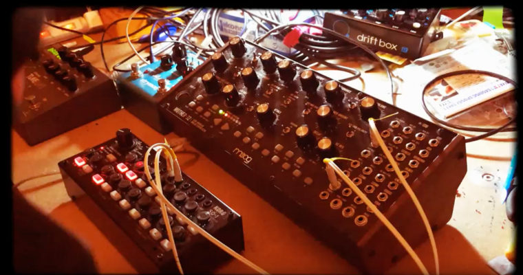 minimal sequence with Moog Mother-32
