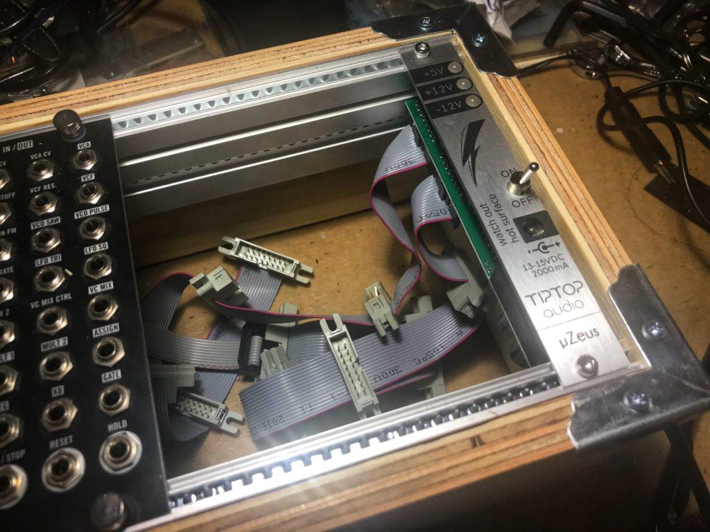 構造用合板でユーロラックケースを自作する
