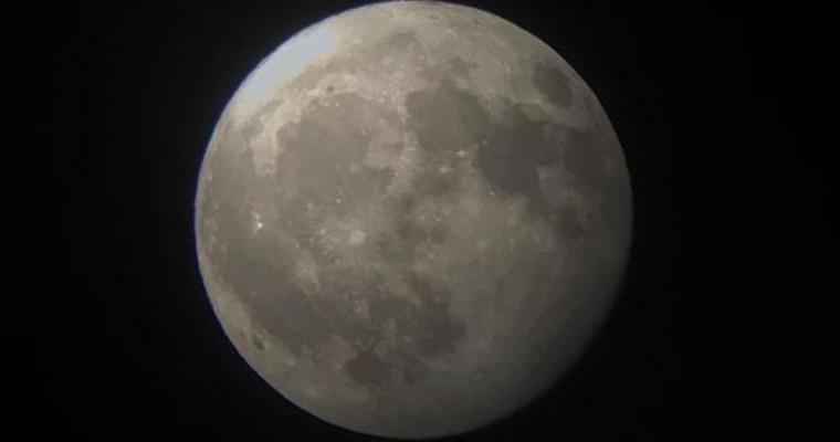 月の綺麗な夜はiPhoneで手軽に写真を撮ろう