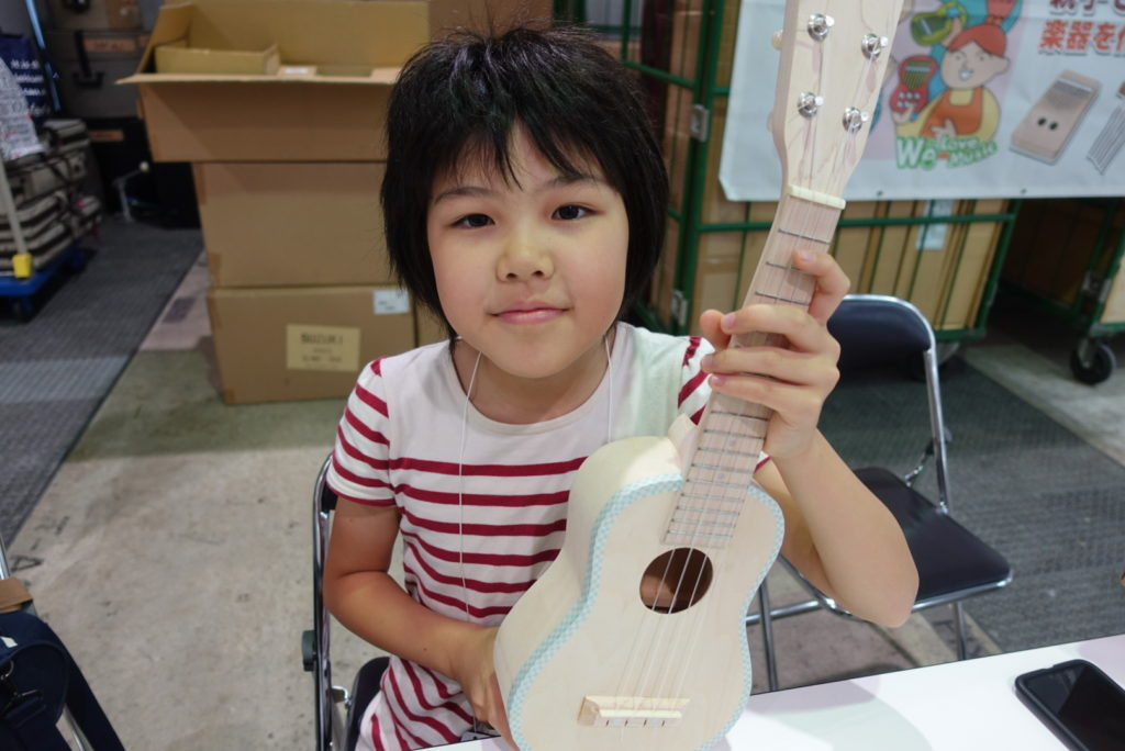鈴木楽器DIYキットを使ったウクレレ作りワークショップ